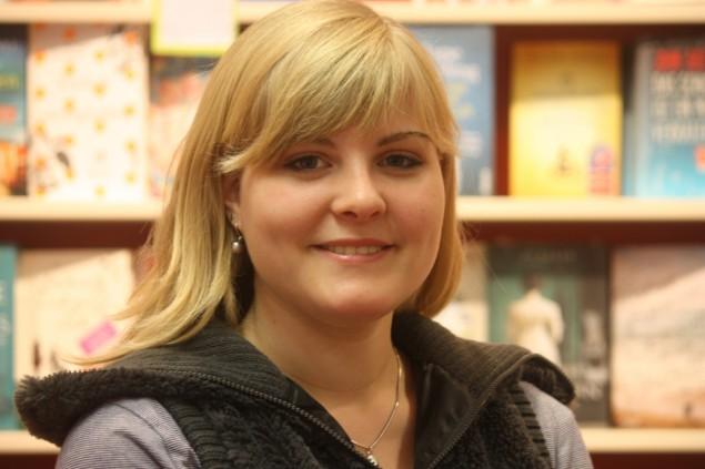 Ehefrau Nicole bei Erwachsenen Buchhandlungen und