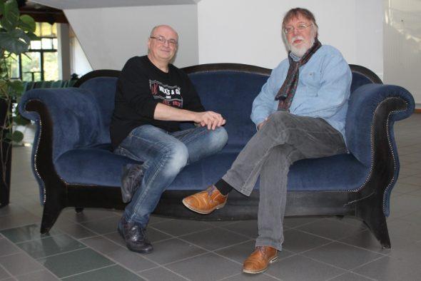 Jacques Stotzem zu Gast bei Musikredakteur Hans Reul (Bild: Renate Ducomble, BRF)